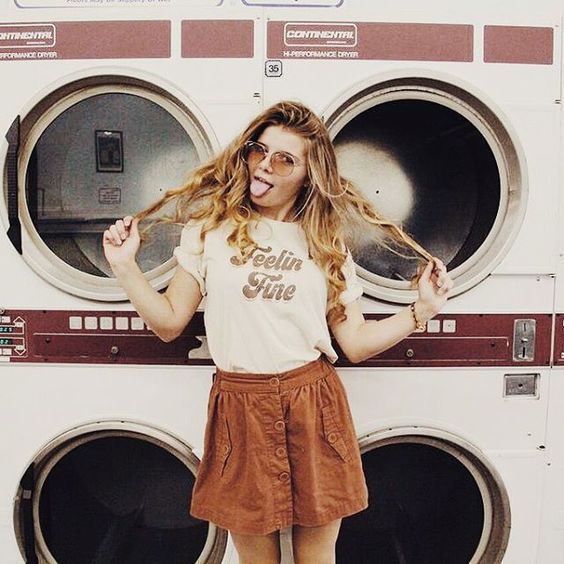 Feeling fine- Retro style model photography shoot- Setting: Laundromat