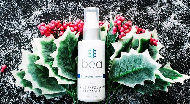 🎄There's nothing like a deep, gentle cleanse! Get 20% off our Gentle Exfoliating Cleanser #asseenin @instyleuk on day seven of our 12 Days of Christmas savings, with glycolic acid + green tea to soothe your skin🎄…