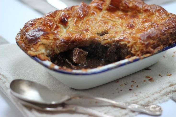 Steak, Guinness and black pudding pie | Pudding pies ...