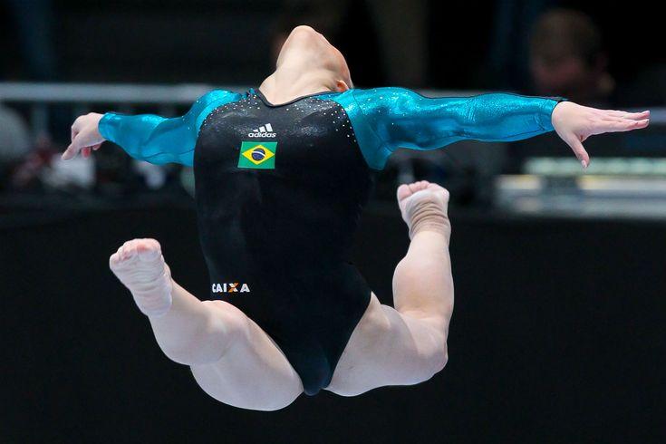 world_gymnastics_2013_1002_antwerp_-_daniele_hypolito_12_-_ricardo_bufolin-cbg_editada.jpg