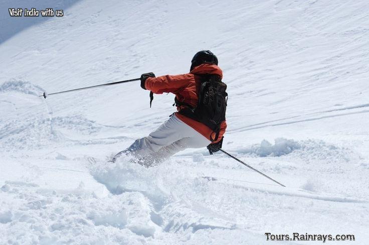 Tourist Attraction India: Visit Manali | Tourist enjoying snow skating games