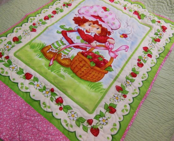 BQ 85 Flannel Strawberry Shortcake Crib Quilt and Wall Hanging.jpg