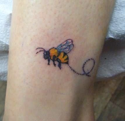bumble bee tattoos | Bumble Bee Tattoo pics | New Tattoos