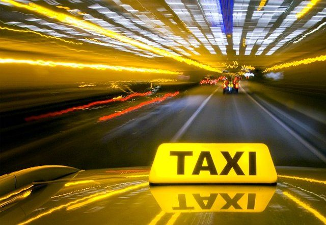 One of the best in offering the quality services in Newport-on-Tay, as far as the taxi rides are concerned is ST Andrews ABC Taxis. They offer the excellent Airport Transfer from all location in and around town.