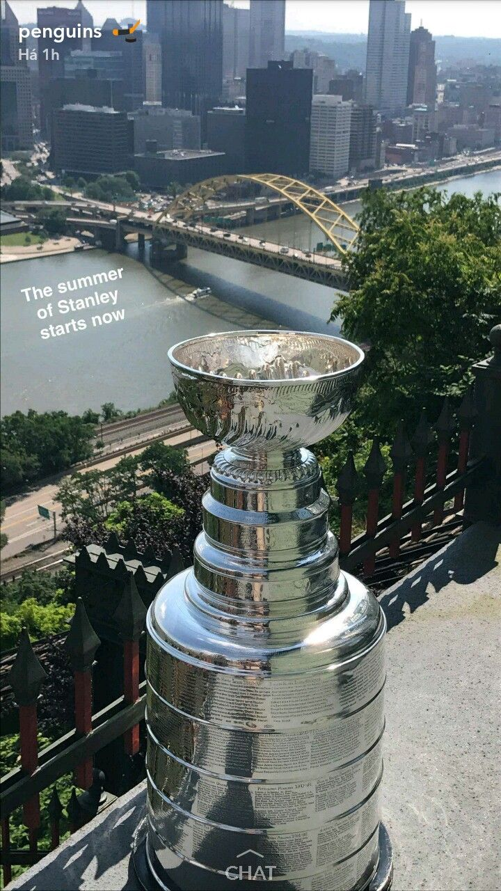 Stanley and Pittsburgh True Love Story haha Photo: Pittsburgh Penguins