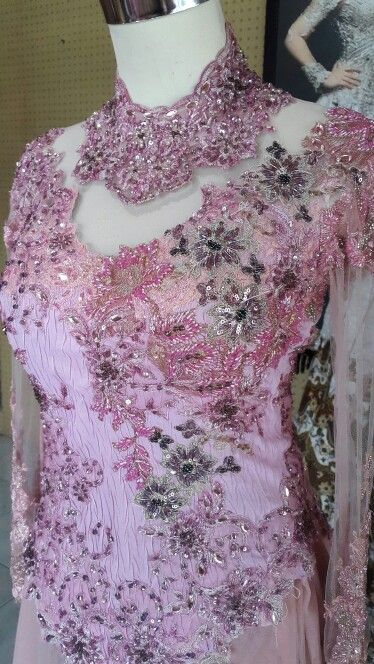 laomma design; Bandung - Indonesia LINE: laomma, BLACKBERRY PIN 7DF89150 WHATSAPP : (+62) 089624641747 PATH : laomma CUTURE Address : Jalan Mars Selatan IV no 1 Bandung 40286 Indonesia #Bandung #Indonesia #adibusana #kebaya #kebayaindonesia #kebayamodifikasi #weddingkebaya #weddingdress #weddingplanner #weddingorganizer #weddingconcept #designer #fashiondesigner #hautecuture #houtecuture #dress #hautecouture #houtecouture #fashion #allaboutwedding #jahitkebaya #payet #custommade