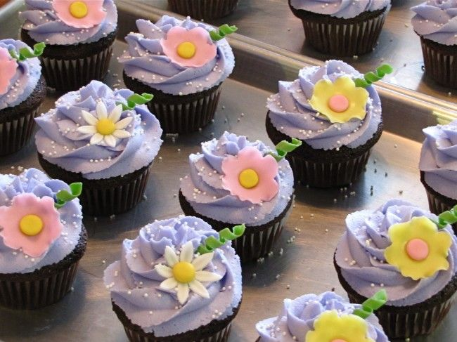 tangled cupcakes with buttercream frosting recipe