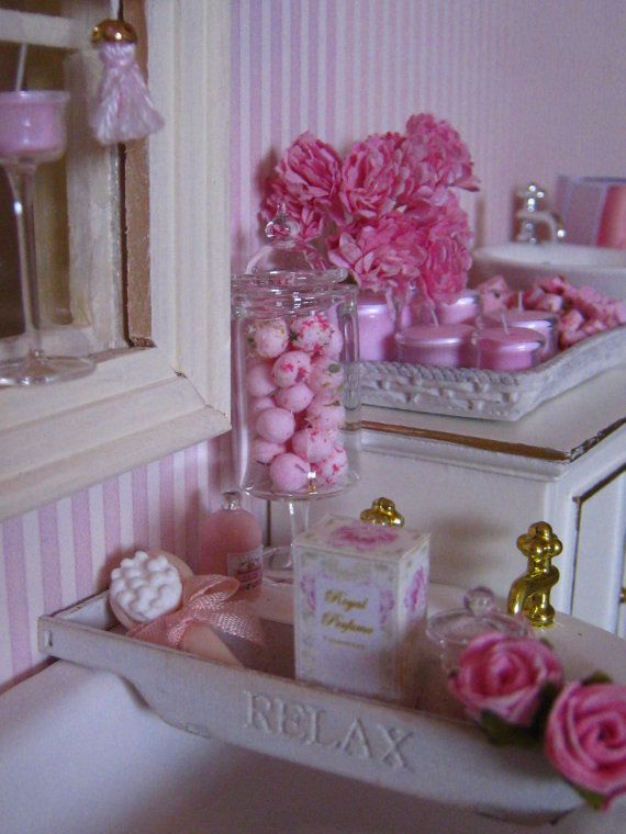 1/12 DOLLHOUSE BATH RACK by SyreetasMiniatures ♡ ♡