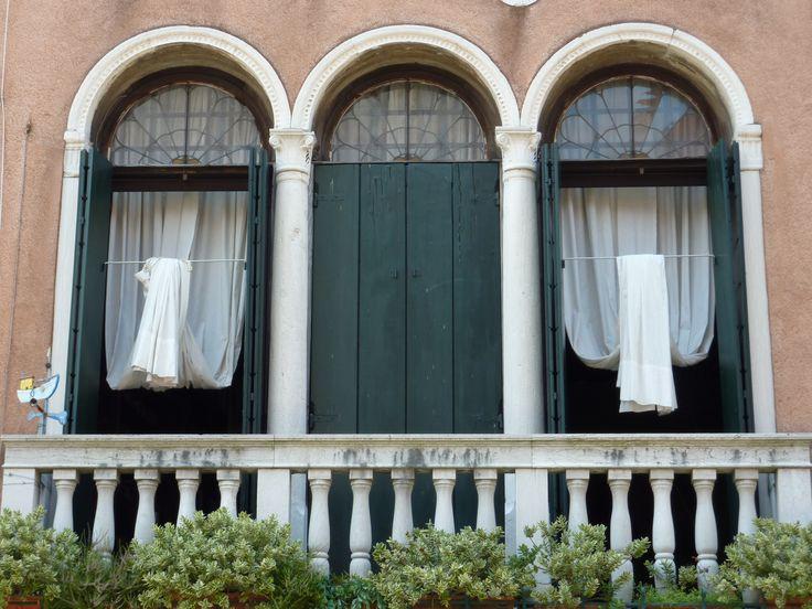 Venezian windows