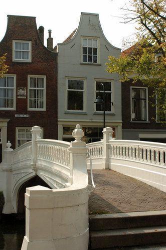Visbrug | Delft | Zuid-Holland | Netherlands #Delft #travel #holland