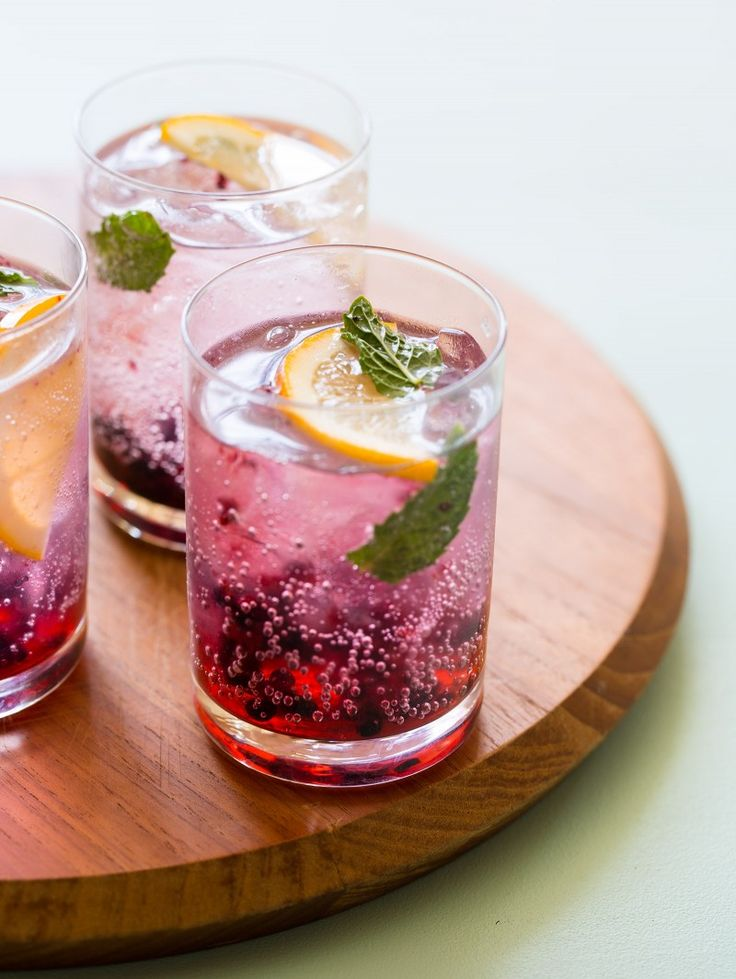 Blackberry Meyer Lemon Gin & Tonics by spoonforkbacon #Cocktails #Gin_&_Tonic #Blackberry #Meyer_Lemon