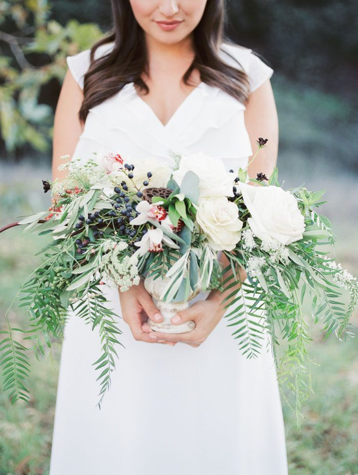 Natural wedding | organic wedding bouquet | herb bridal bouquet | herb centerpiece | Blooms by Breesa Lee | Natural wedding makeup | Kinfolk wedding | Whiskers and Willow Photography