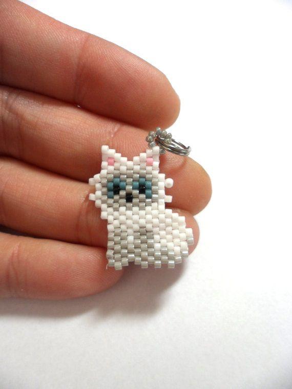 White cat charm beaded cat cat keychain by Creadivacreations