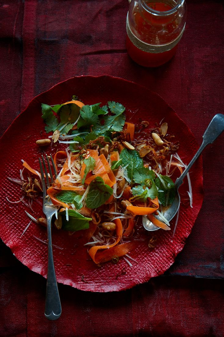 Green papaya salad with spicy lime dressing