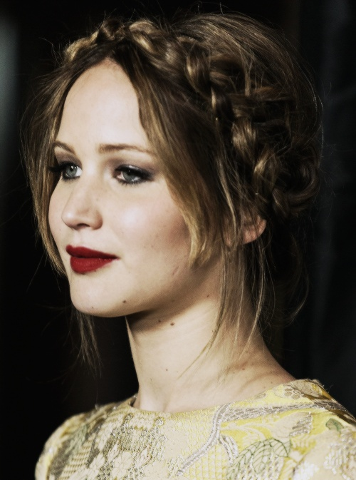 jennifer lawrence Her red lipstick is awesome.
