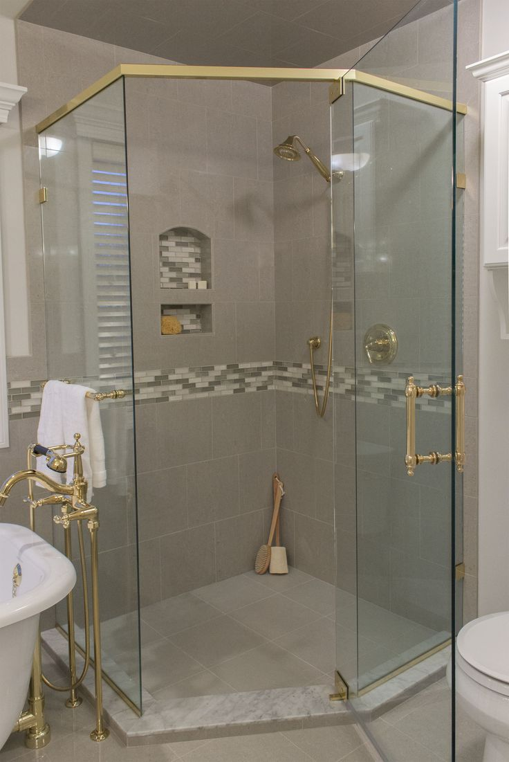 Photo courtesy of lindsey collins ksi designer custom for Bath remodel olympia wa