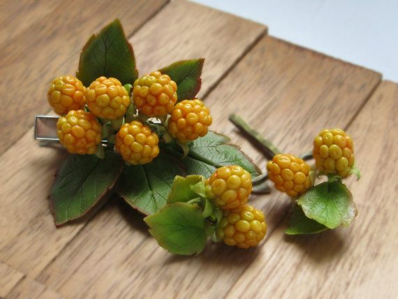 Woodland hair clip Yellow berry bobby pins Raspberry barrette Floral hair pin Girl bobby pin set Polymer clay clip Cold porcelain jewelry