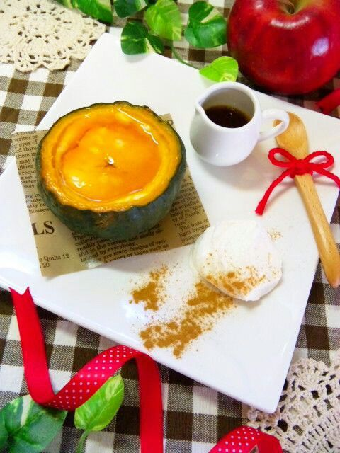 坊っちゃんかぼちゃをまるごと使ったかぼちゃプリンです♡自家製カラメルソース&ホイップクリーム&シナモンを添えて♡ - 21件のもぐもぐ - まるごと★かぼちゃプリン by coco*mama