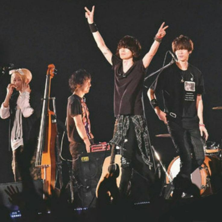 【中学校文化祭】 ◆直井「で、文化祭に出ることになって。先生達はもちろん『そんな音楽なんてダメだ』って」 ◆藤原「『ガシャガシャうるさいのはダメだ!クラッシックを聴きなさい』って」 ◆直井「でも - kyoto_nagomibito