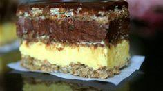 Rețetă pentru Prăjitura Alcazar Pentru a prepara acest desert, ai nevoie de următoarele ingrediente: Pentru foi: – 9 albușuri – praf de sare – 9 linguri de zahăr – 18