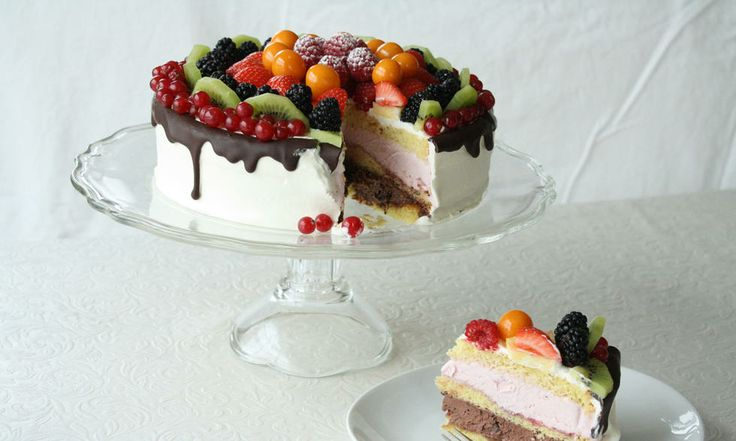 17. mai-kake med ny vri: Bløtkake med iskremfyll