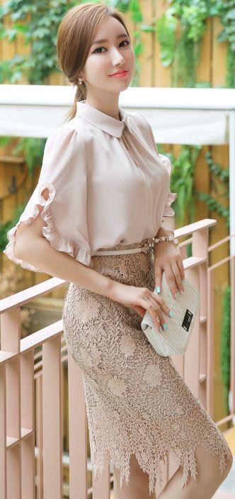 StyleOnme_Feminine Leaf Motif Lace Pencil Skirt #beige #lace #pencilskirt #koreanfashion #kstyle #kfashion #seoul #summerlook