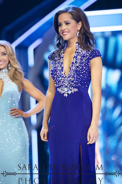 OK, I'm going to be honest- Rebecca Yeh, Miss Minnesota's just was not working for me. WAIT! Before you hastily click away or disagree completely, hear me out.  Miss Minnesota was 4th Runner-Up to Miss America in 2013, so obviously she did well. She may have been able to rock the gown, but the gown wasn't rocking me. That's all I'm saying. Allow me to explain why…