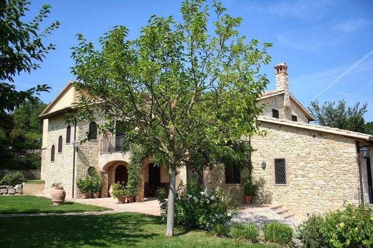 VILLE, CASALI E BORGHI Thypical Farmhouse in Umbria made by RB Restauri e costruzioni. Visit our web site www.rbrestauriedili.it