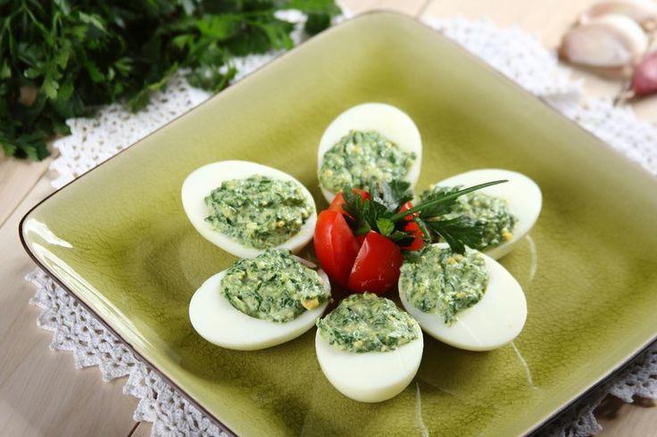 Przepis na Jajka faszerowane szpinakiem