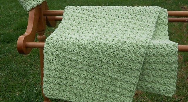 [Free Pattern] This Is The Easiest Baby Blanket In The World To Make (And Really Beautiful Too!)