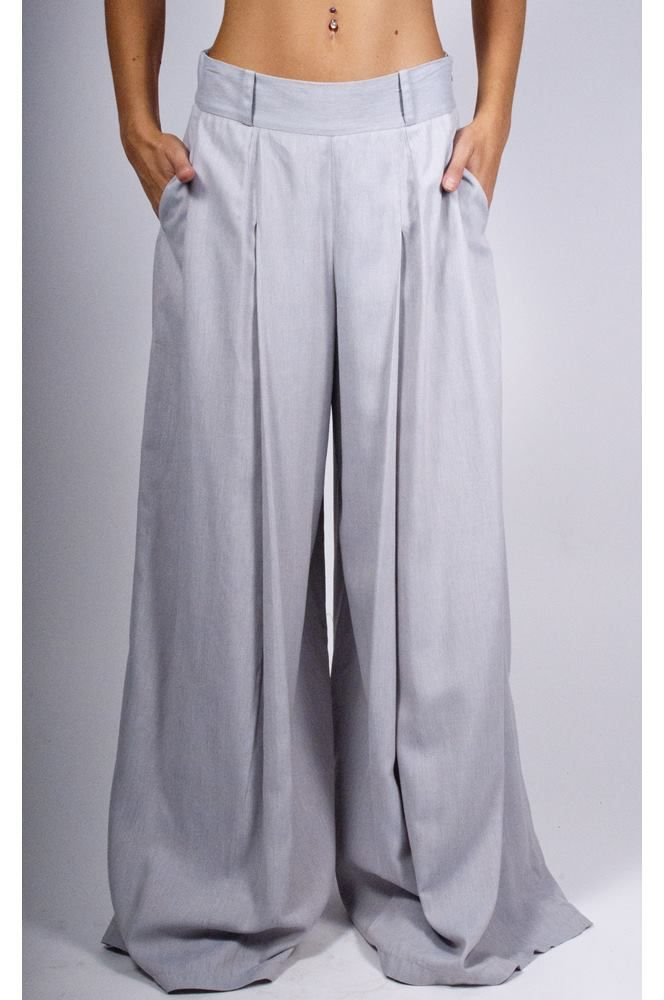 Trousers With Pleats And Side Zipper