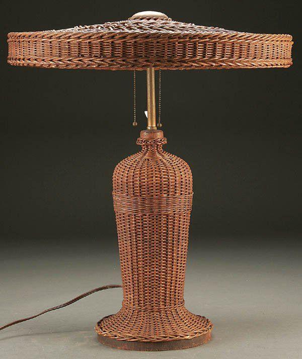 844: A HEYWOOD-WAKEFIELD VINTAGE WICKER TABLE LAMP ear : Lot 844