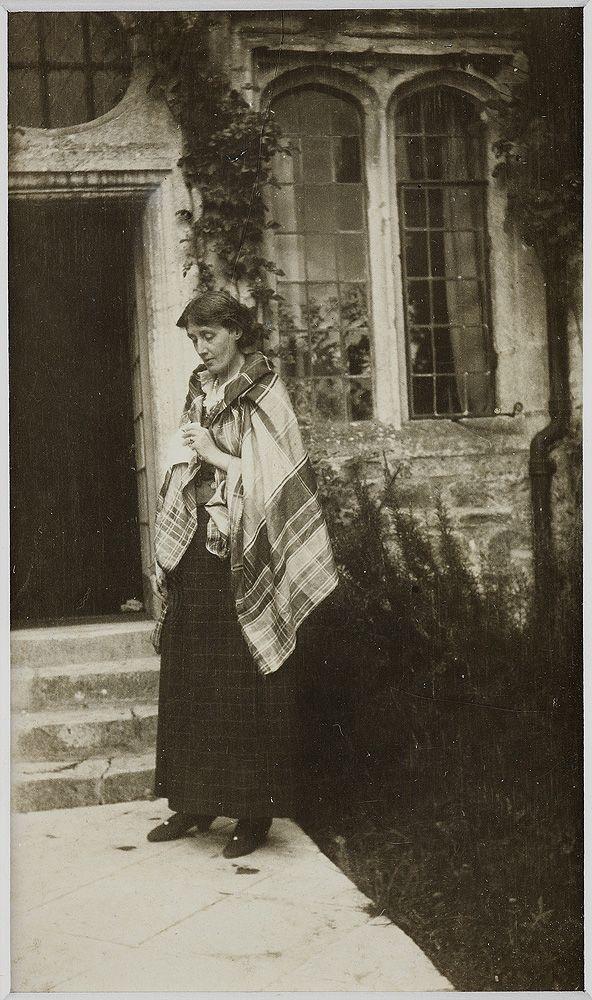 Virginia Woolf at Garsington: photograph, 1923.
