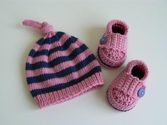 New Baby Gift Set  Baby Beanie  Baby Hat  by LittleMoppetsDesigns