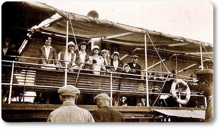 Bostancı vapuruyla Suadiye plajına gidenler - 1928