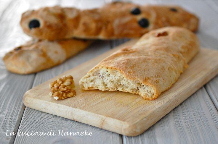Sfilatini di pane alle noci, olive o pomodorini