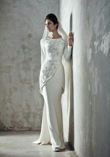 Beautiful, simple and elegant nikah dress for the modern bride!