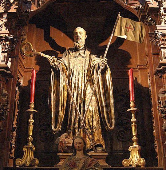 San Millán fue un simple pastor que vivió en el siglo V en tierras fronterizas entre Castilla, La Rioja y Aragón, ejerciendo este oficio hasta los veinte años. Entonces recibió la llamada de la fe en su variante ascética, algo bastante frecuente en la época, yéndose a vivir con Félix, el eremita, con quien permaneció tres años.