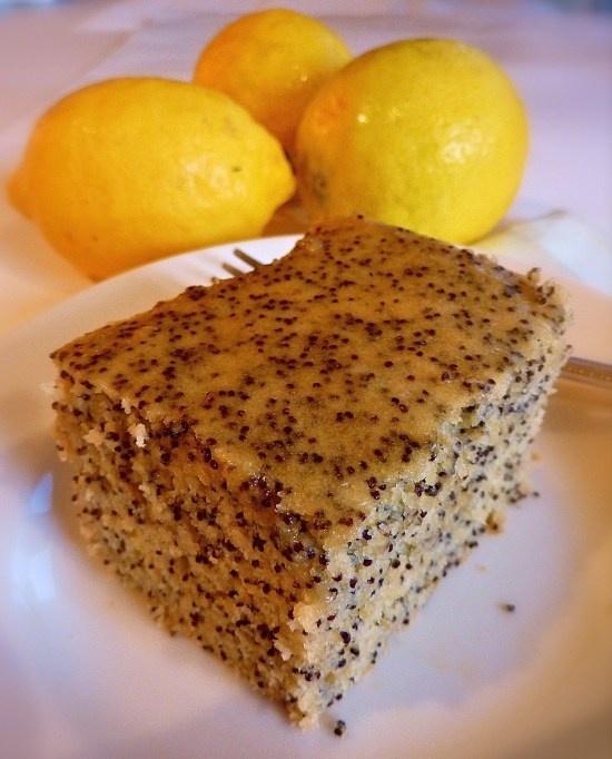 Crunchy Lemon Poppyseed Cake! (1/2 CUP of poppyseeds?!)