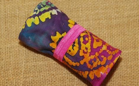 Easy crayon roll tutorial - from Amy Voweles