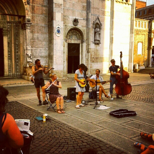 buskers - Ferrara @enricoce- #webstagram