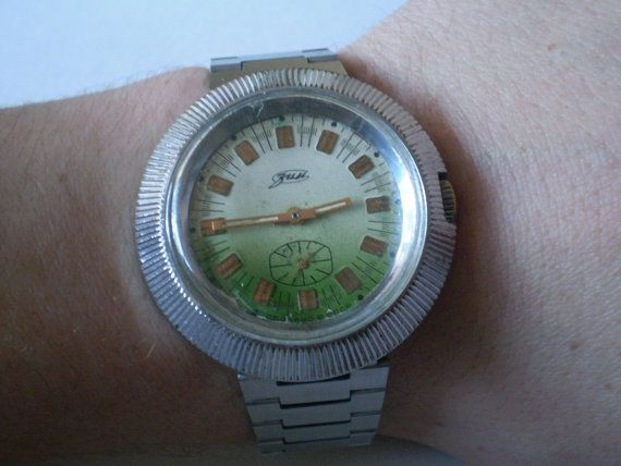 dating vintage benrus watches with diamonds