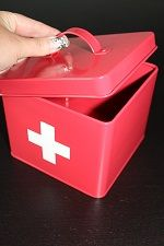 Lääkelaatikko (punainen/pieni)