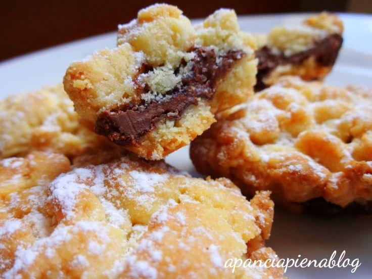 Mini sbriciolate alla nutella (ricetta tradizionale e bimby)