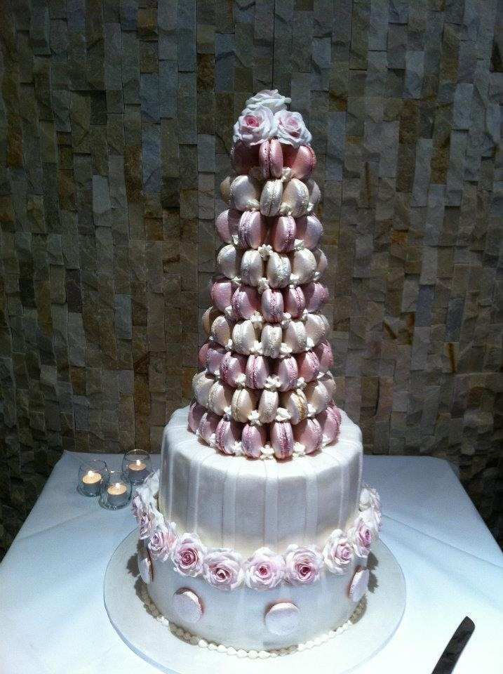 macaroons wedding cake top 25 ideas about macaroon wedding cakes on 16971
