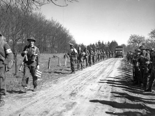 The North Nova Scotia Highlanders. Infantrymen of The North Nova Scotia Highlanders advancing near Dorterhoek, Netherlands, 8 April 1945.
