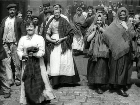 Lancashire Lasses on the way to the mill