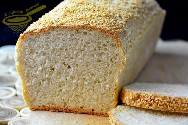 z cukrem pudrem: chleb pszenny z grysikiem