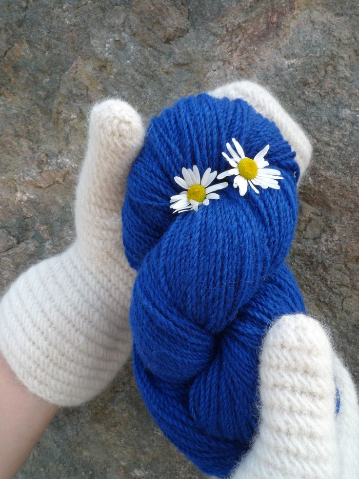 www.zgarn.se 221 Royalblue 100% wool Z-tvinnat garn som passar utmärkt vid 2-ändsstickning