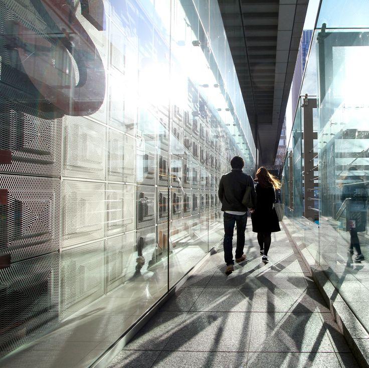 Lovers in the wonderful urban light